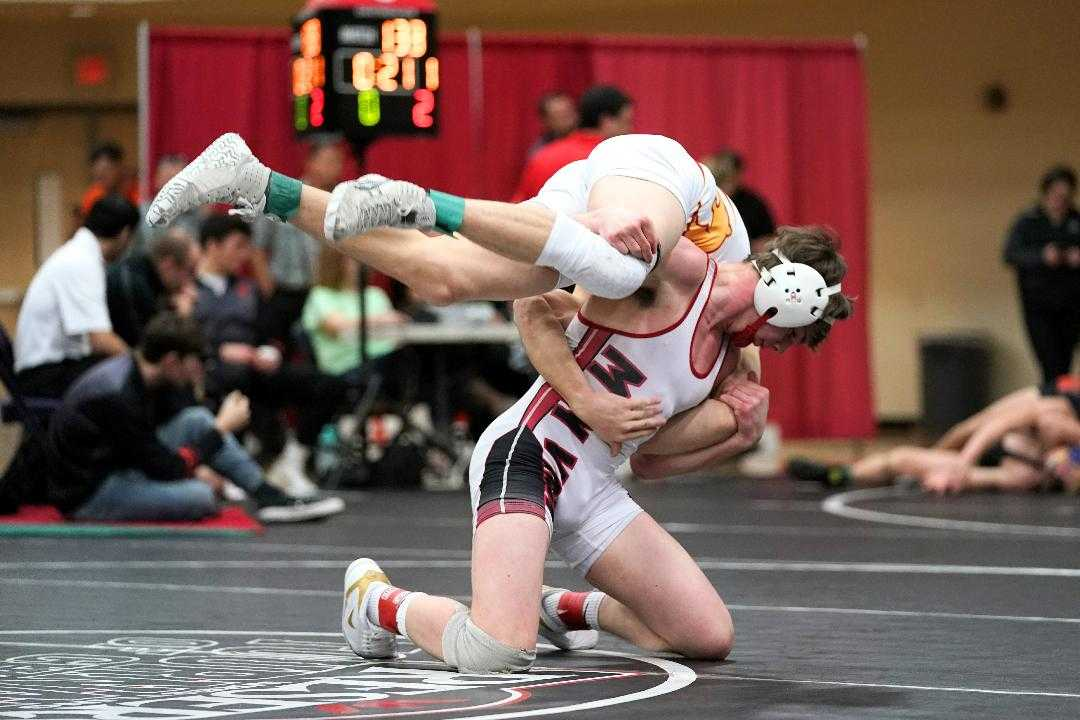 Mountain View's Beau Ohlson, a three-time state champion, won at 152 at the Adrian Irwin tournament. (Photo by Jon Olson)