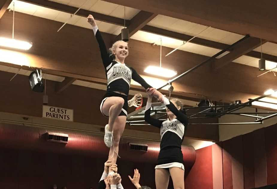 The Sisters Outlaws hit their pyramid at the Tualatin 'Last Chance' Competition.