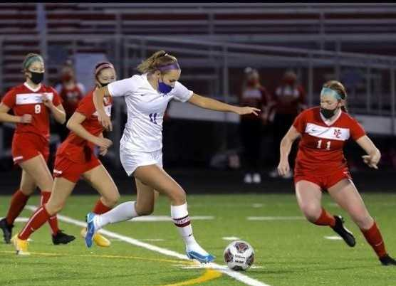 South Eugene's Devyn Simmons scored 18 goals in 10 matches this season. (Photo by Barbara Minkler)