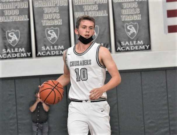 Salem Academy senior guard Benett Bos poured in 34 points in the final against Columbia Christian. (Photo by Jeremy McDonald)