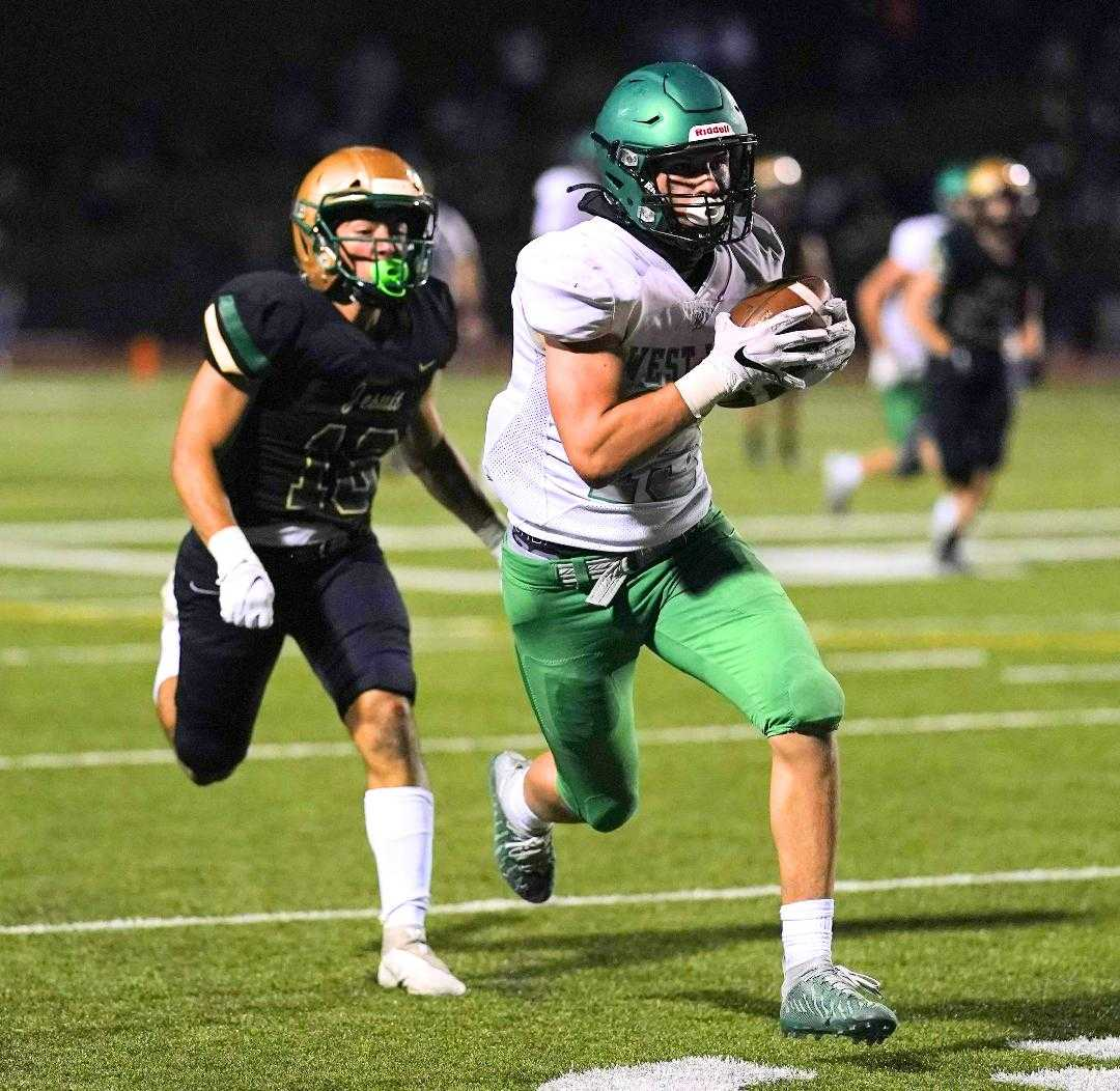 West Linn's Mark Hamper caught a 49-yard touchdown pass and had a 54-yard catch Friday at Jesuit. (Photo by Jon Olson)
