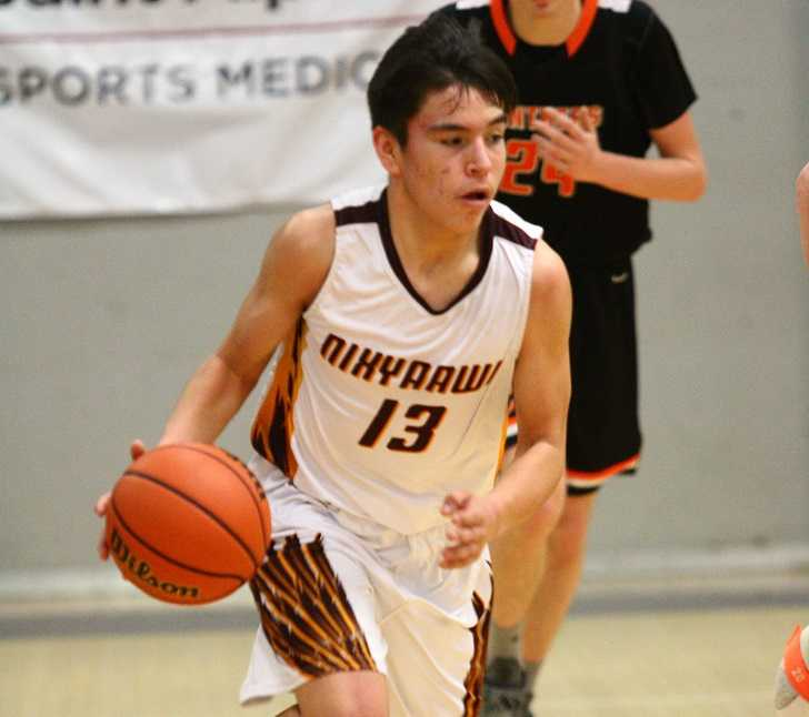 Tyasin Burns led Nixyaawii with 15 points Friday. (NW Sports Photography)